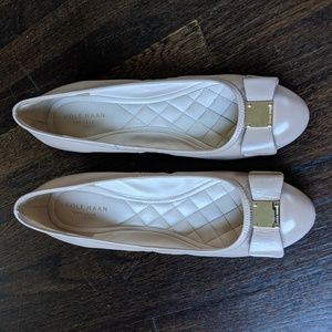 Cole Haan Tali Grand Bow Wedges - size 9.5
